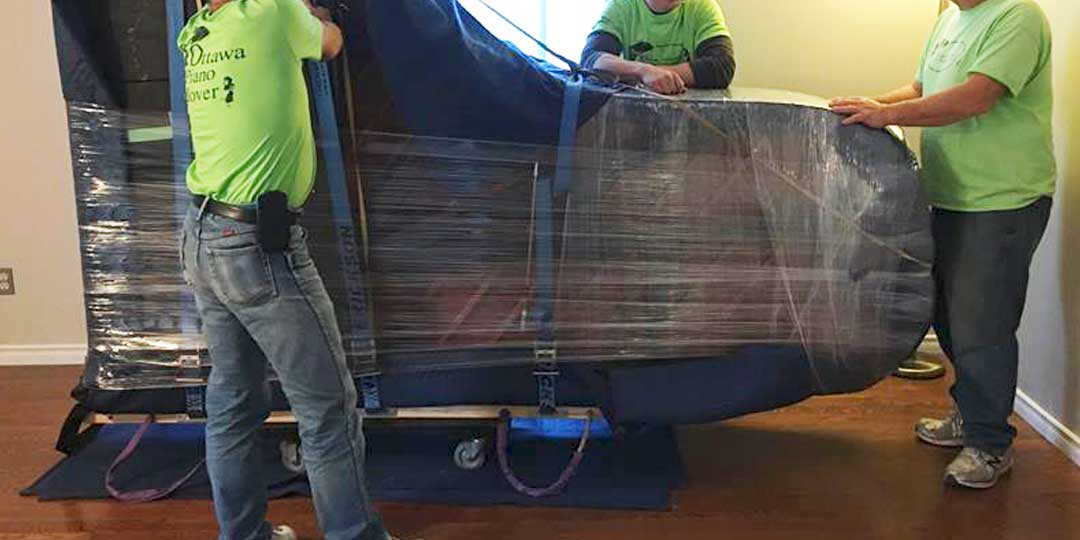 https://www.ottawapianomover.com/wp-content/uploads/2018/08/moving-grand-piano.jpg